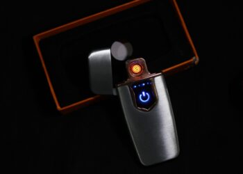 Rechargeable Metal Lighter Touch Screen with USB