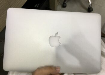 MacBook Air 2015 (Mint Condition)